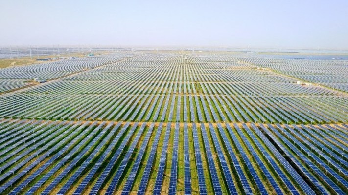 Huawei Digital Power Contributes to the Successful Grid Connection of World's Largest PV Plant at China's Qinghai Province with its Smart PV Solution